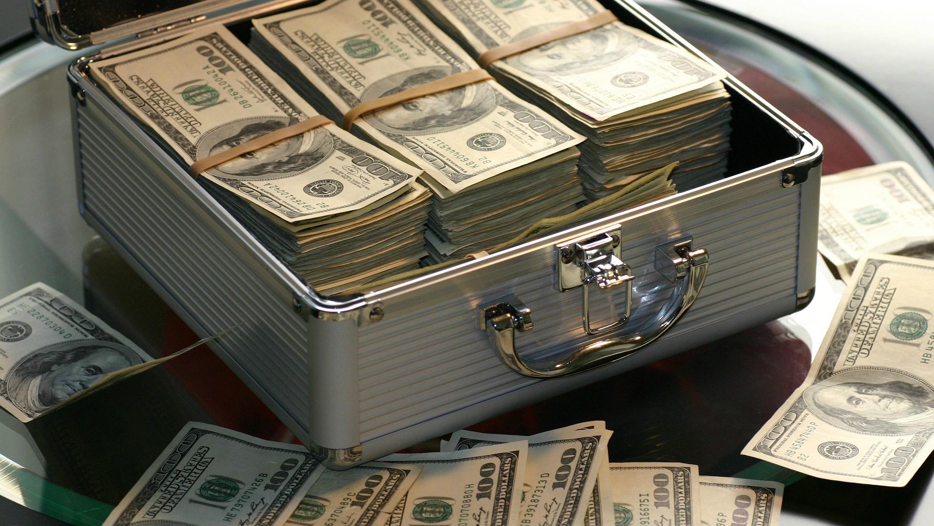 vieglāk kļūt bagāts cik daudz naudas man vajadzētu sākt ieguldīt bitcoin
